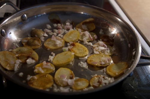 Cooked_potatoes_shallots